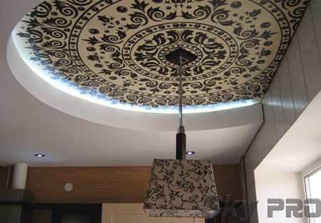 Сатиновый натяжной потолок с фотопечатью фото